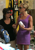 123mike HQ pictures of Victoria Th_05988_Victoria_Beckham_shopping_in_Beverly_Hills_184_123_152lo