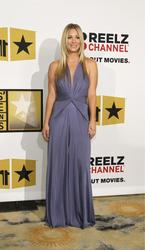 Калей Куоко, фото 240. Kaley Cuoco Sarah Michelle Gellar attends the 2011 Critics' Choice Television Awards on June 20, 2011 at the Beverly Hills Hotel in Beverly Hills, California., photo 240