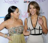 th_64123_Halle_Berry_2009_Jenesse_Silver_Rose_Gala_Auction_in_Beverly_Hills_114_122_222lo.jpg