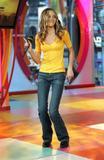 [Imagen: th_22469_Amanda_Bynes_-_2004_MTV09s_TRL_..._456lo.jpg]