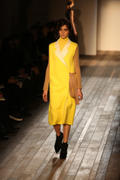 VB dresses Autumn/Winter 2013- collection Th_520060840_26_122_488lo