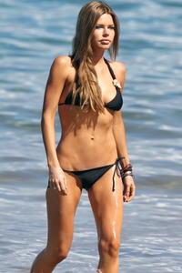 Sophie Monk sexy bikini on the beach in Hawaii