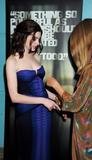 http://img172.imagevenue.com/loc72/th_73855_Anne_Hathaway_2008-10-20_-_Rachel_Getting_Married_Premiere_0250_122_72lo.jpg
