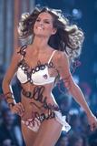 th_20653_Victoria_Secret_Celebrity_City_2007_FS_7406_123_843lo.jpg