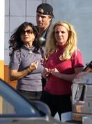 Бритни Спирс, фото 15600. Britney Spears - booty in jeans at a bowling alley in California 01/29/12, foto 15600