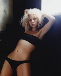 Celebrity Exclusive Showcase: Jennifer Sky Very Hot Photoshoot
